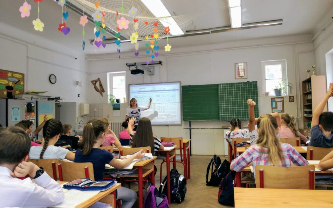 Kako digitalizacija vpliva na učne procese v šoli?