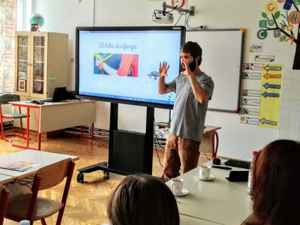 Izobraževanje za uporabo interaktivnega zaslona v učilnici